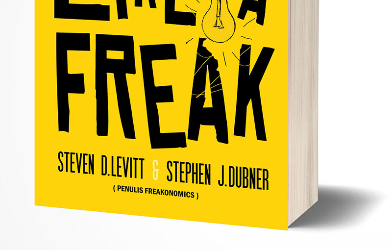 Book Cover Novel think like a freak